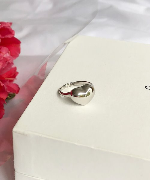 petit heart ring