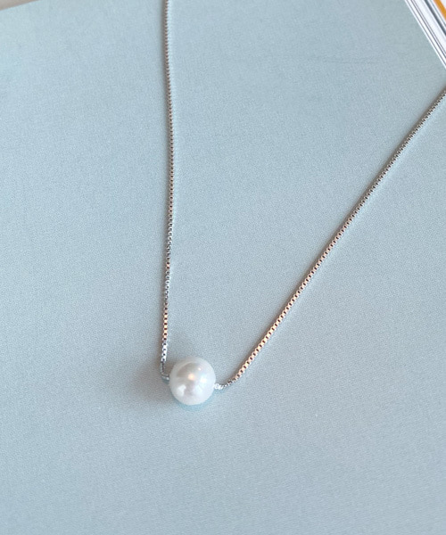 pearl necklace (silver 92.5)